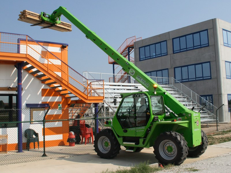 Incarcator telescopic Merlo P 34.10 dealer