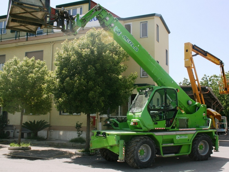 Incarcator telescopic Merlo ROTO 45.21 dealer